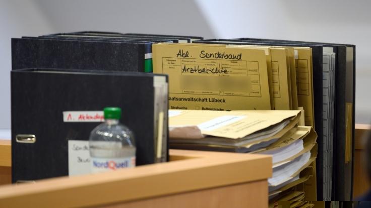 Horror-Mutter steht in Lübeck vor Gericht. Grund: Misshandlung ihrer Kinder und Betrug. (Foto)
