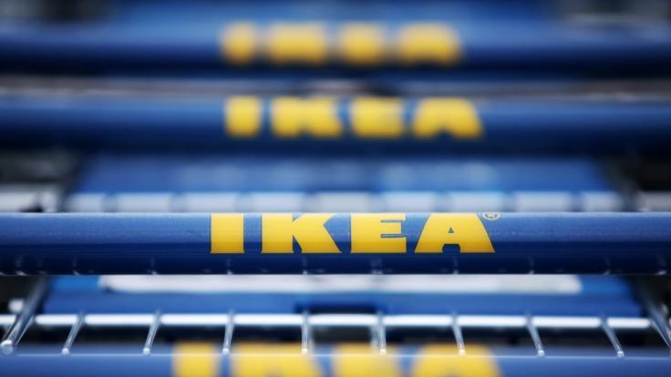 (Symbolbild) Raubüberfall vor Ikea: Geldbote (56) angeschossen. (Foto)