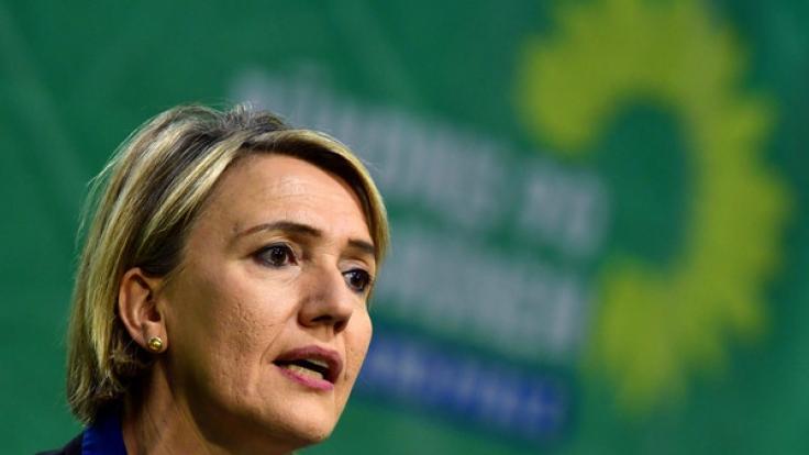 Grünen-Chefin Simone Peter steht nach ihrer Kritik an der Polizeiarbeit in Köln in der Silvesternacht im Fokus der parteiübergreifenden Kritik.