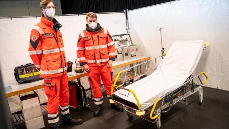 Die deutschen Gesundheitsämter haben binnen 24 Stunden 12.892 Corona-Neuinfektionen gemeldet. (Foto)