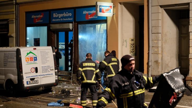 Vor einem AfD-Büro im sächsischen Döbeln hat es am Donnerstagabend den 03.01.2018 eine Explosion gegeben. (Foto)