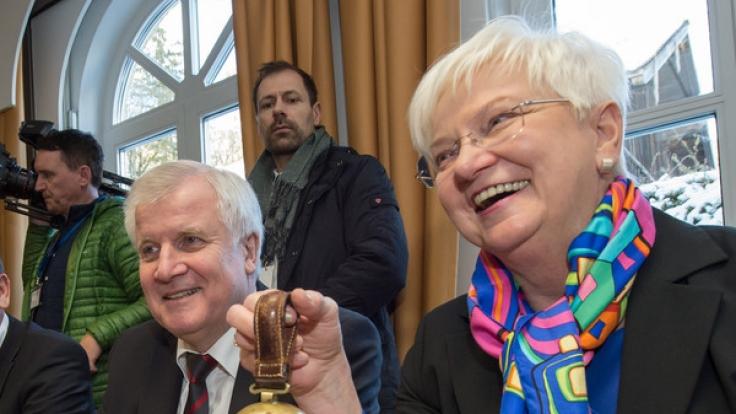 Bayerns Ministerpräsident Horst Seehofer und die CSU-Landesgruppenvorsitzende Gerda Hasselfeldt. (Foto)