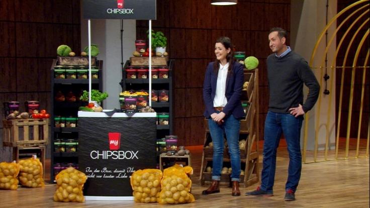 """Ebru und Erol Kaynak gehen bei """"Die Höhle der Löwen"""" bei Vox mit ihrem Produkt """"My Chipsbox"""" an der Start. (Foto)"""