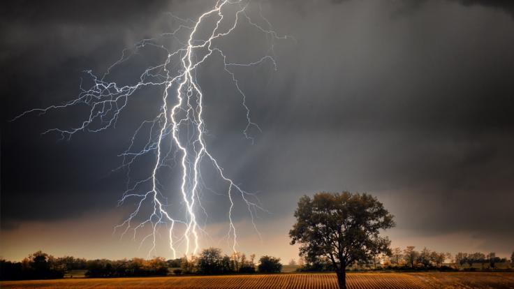 Unwetter-Warnung! Es drohen Gewitter und Sturmböen. (Foto)