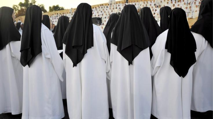 Seit den 1950er Jahren fielen Hunderttausende Kinder und Jugendlichen in Frankreich dem systematischen sexuellen Missbrauch durch Kirchenpersonal zum Opfer. (Foto)