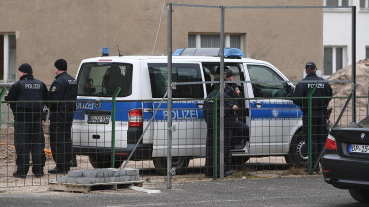 Die Polizei ging am Mittwoch mit mehreren Razzien gegen ein angeblich islamistisches Netzwerk vor (Symbolbild).