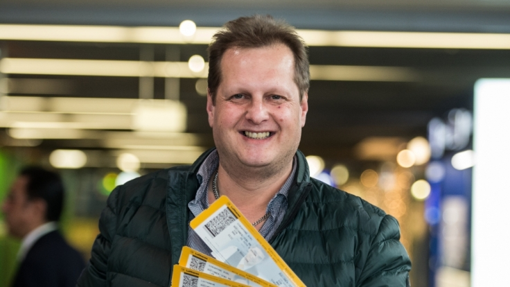 Jens Büchner wirbt jetzt für Bademäntel. (Foto)