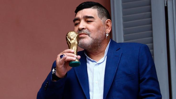 Der argentinische Fußball-Star Diego Maradona ist im Alter von 60 Jahren gestorben.