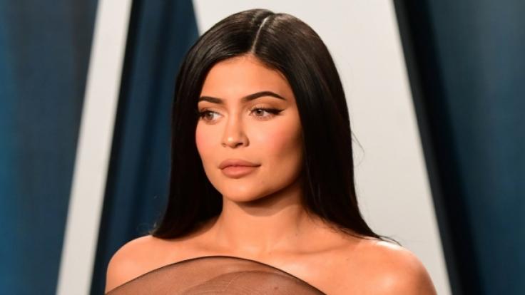 Kylie Jenner verwöhnte ihre Instagram-Fans gleich mit zwei heißen Fotos, die unterschiedlicher kaum sein könnten. (Foto)
