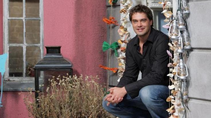 Raphael Vogt im Jahre 2006 am Set der Sat.1-Serie
