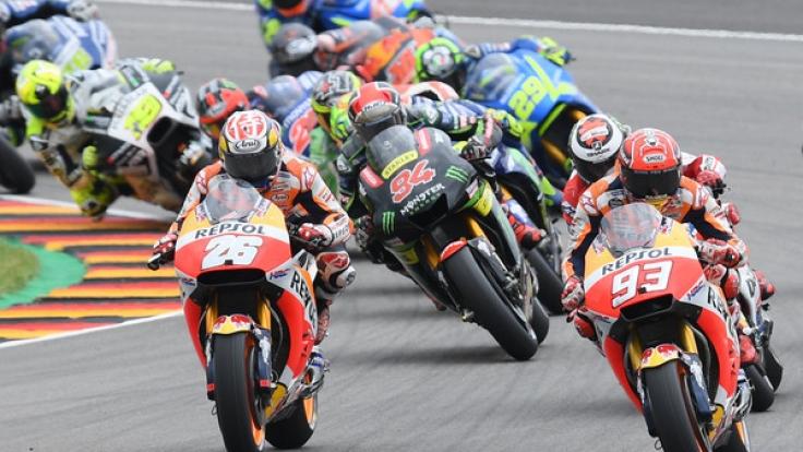 Alle Sessions der MotoGP in Brünn im Livestream oder TV verfolgen: Hier gibt's alle Infos, wie Sie den Grand Prix von Tschechien live mitverfolgen können!