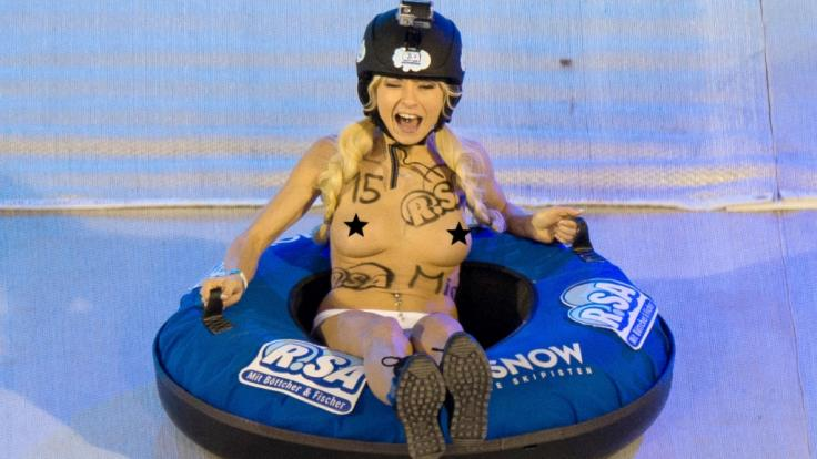 Mia Julia Brückner, hier beim Nacktrodeln, erfreut ihre Fans immer wieder gerne mit sexy Schnappschüssen.
