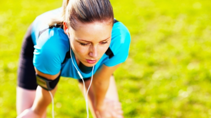 Seitenstechen kann zwar alle Ausdauersportler treffen. Doch Läufer trifft es am häufigsten. (Foto)