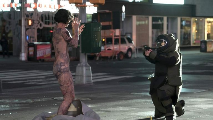 Als sie auf dem Time Square nackt aufwacht, kann sie sich an nichts erinnern. (Foto)