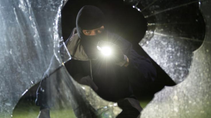 Die österreichische Polizei warnt momentan vor einer neuen Masche unter Einbrechern (Symbolbild). (Foto)