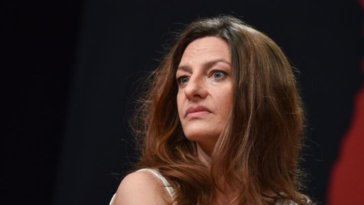 Catrin Striebeck auf der Bühne bei der Vorstellung des Ensembles für die Nibelungen-Festspiele 2015.