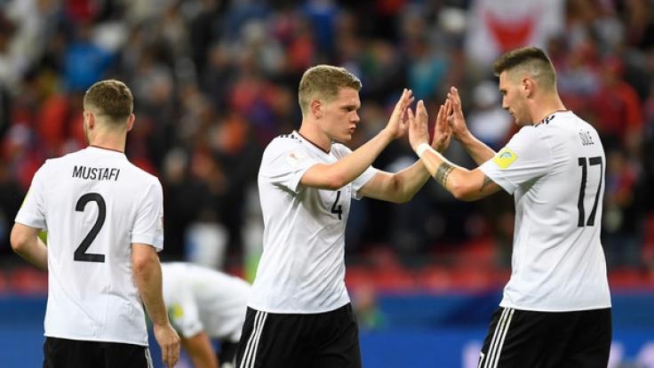 Das erste Ziel ist erreicht. Deutschland steht nach einem 3:1 gegen Kamerun im Halbfinale des Confed Cups. (Foto)
