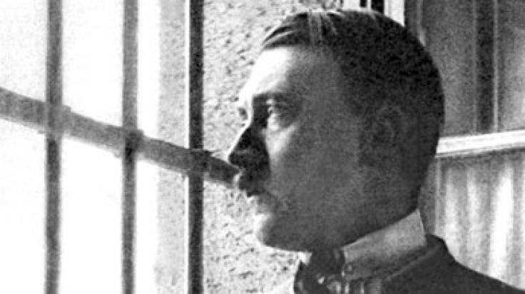 Adolf Hitler stilisierte sich oft als Gegner aller Genüsse - doch sein ehemaliges Dienstmädchen enthüllt jetzt die Wahrheit.
