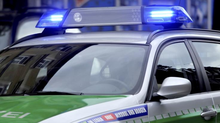 In Berlin kam es zu einem schweren Autounfall. (Foto)
