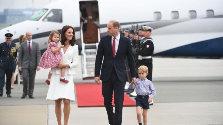 Eine schrecklich reizende Familie: Kate Middleton mit Ehemann Prinz William und den Kindern Prinzessin Charlotte und Prinz George.