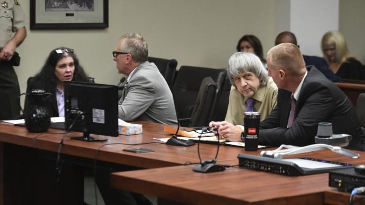 Den Angeklagten Louise Turpin und ihrem Ehemann David Turpin aus dem US-amerikanischen Riverside wurde wegen Folter, schwerer Misshandlung und Vernachlässigung von 12 ihrer 13 Kinder der Prozess gemacht. (Foto)