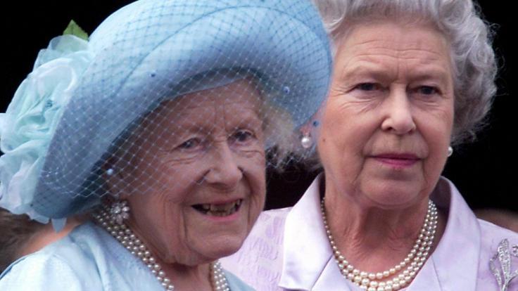 Queen Mum und KöniginElizabeth II. (Foto)