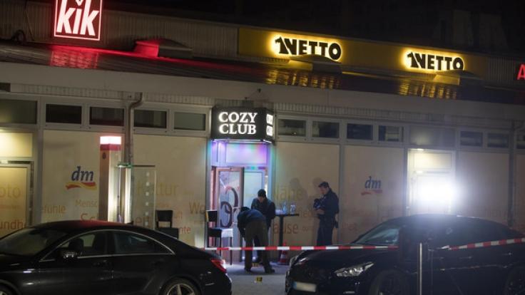 Bei einer Schießerei vor einer Berliner Diskothek ist ein Mann tödlich verletzt worden. (Foto)