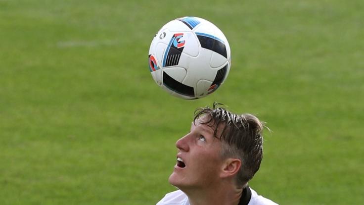 Bastian Schweinsteiger gehört zu den bestbezahlten Fußballern der Premiere League. (Foto)