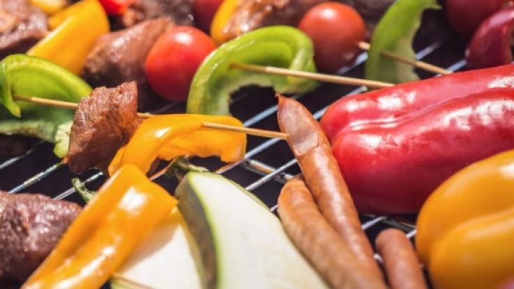 Mit diesen 10 Tipps genießen Sie ein gesundes Grillvergnügen.
