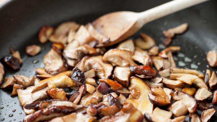 Darf man Pilze ein zweites Mal erwärmen? (Foto)