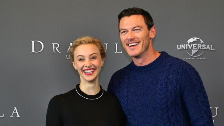 Sarah Gadon und Luke Evans beim Photocall zu Dracula Untold in Berlin. (Foto)
