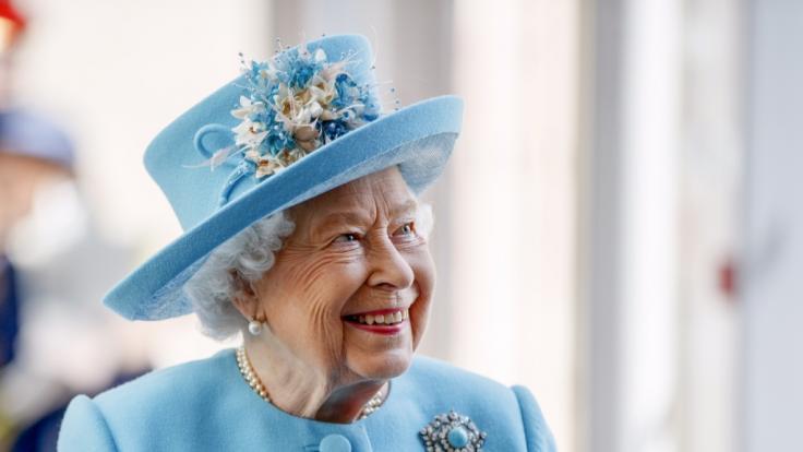 Im Vergleich zu Meghan Markle hat Queen EilizabethII. in den Royal-News der Woche allen Grund zur Freude. (Foto)