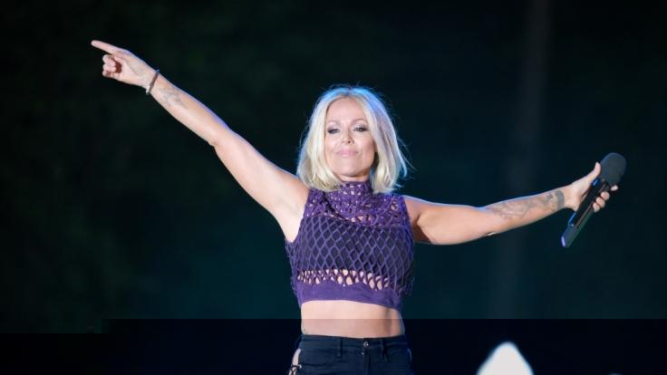 Sängerin Michelle gibt sich im Netz gern von ihrer verführerischen Seite. (Foto)