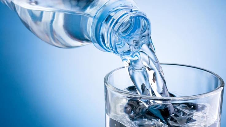 Wie gut ist Mineralwasser mit Kohlensäure wirklich? (Foto)