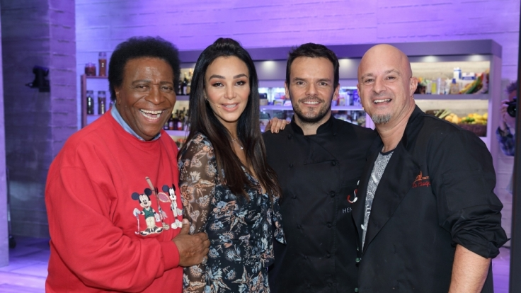 Roberto Blanco, Verona Pooth und Detlef Steves fordern Steffen Henssler zum Koch-Duell heraus.