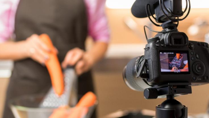 Der Star einer TV-Kochshow ist wegen Mordes angeklagt. (Foto)