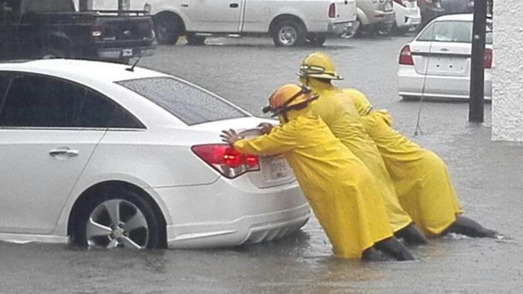 """Karibik-Urlauber müssen mit Überschwemmungen durch Hurrikan """"Irma"""" rechnen. Foto: Especial/NOTIMEX/dpa (Foto)"""