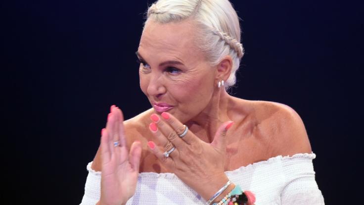Model Natascha Ochsenknecht weiß ihre Fans auch mit Mitte 50 locker um den Finger zu wickeln. (Foto)