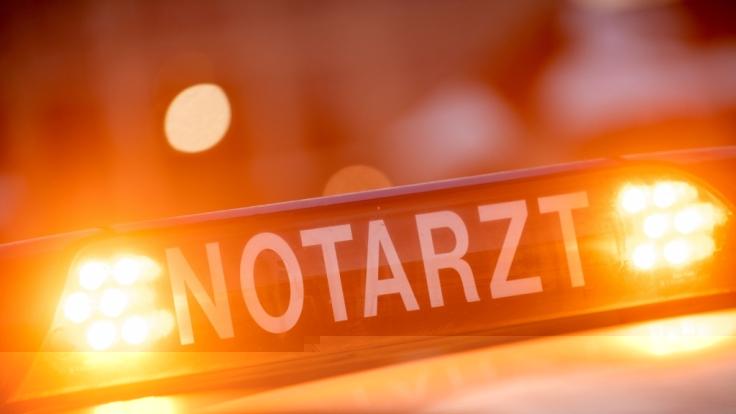 Ein unrechtmäßig umgeparkter Rettungswagen sorgte bei einem Notarzteinsatz in Böblingen für Aufruhr (Symbolbild). (Foto)
