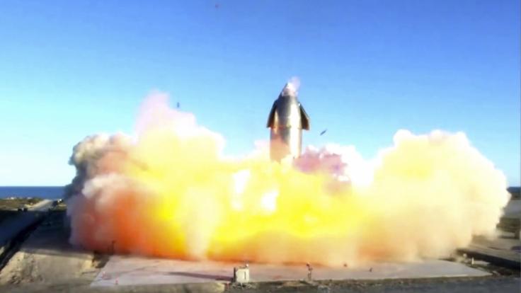 Dieses von SpaceX zur Verfügung gestellte Videostandbild zeigt die Explosion einer Rakete der Raumfahrt-Firma SpaceX bei der Landung. (Foto)