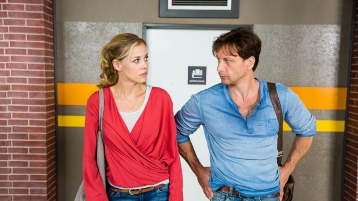 Stefan Vollmer (Hendrik Duryn) und Karin Noske (Jessica Ginkel) sind fassungslos.