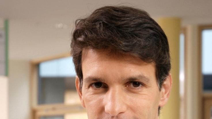 Ein Arzt für alle Fälle:Luca Zamperoni spielt sowohl in der ARD-Serie Familie Dr. Kleist als auch im ARD-Film Wie ein Stern am Himmel einen Mediziner. (Foto)