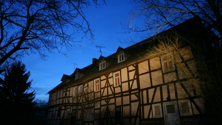"""Das Haus des """"Kannibalen von Rotenburg"""", Armin Meiwes, im nordhessischen Wüstefeld bei Rotenburg (2006). (Foto)"""