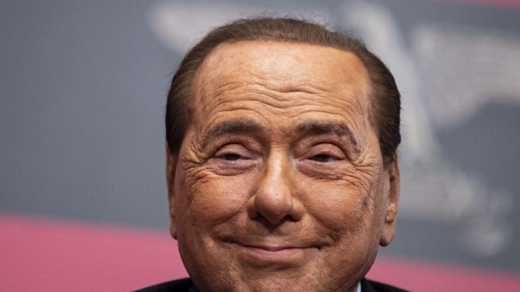 Silvio Berlusconi hat das Coronavirus. (Foto)