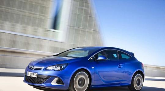 Die besten Bilder zu Opel Astra OPC: Starker Blitz (Foto)