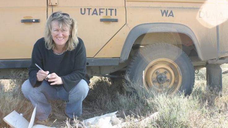 """Biologin Sarah Durant findet: """"Es geht doch nichts über eine Probe voll Gepardenkot, um dich #distractinglysexy werden zu lassen."""" (Foto)"""