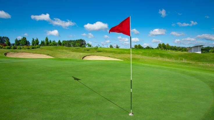 Auf einem Golfplatz im US-Bundesstaat Georgia sind drei Leichen entdeckt worden (Symbolbild). (Foto)