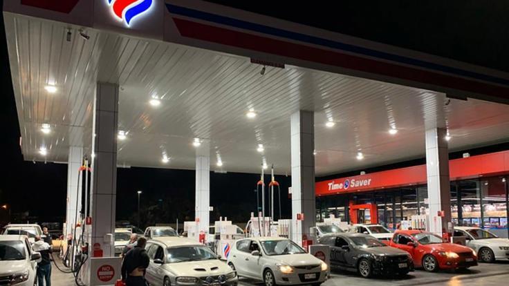 Werden auch in Deutschland die Tankstellen geschlossen? (Foto)