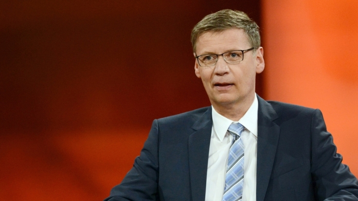 Moderator Günther Jauch im Berliner Studio seiner ARD-Talkreihe