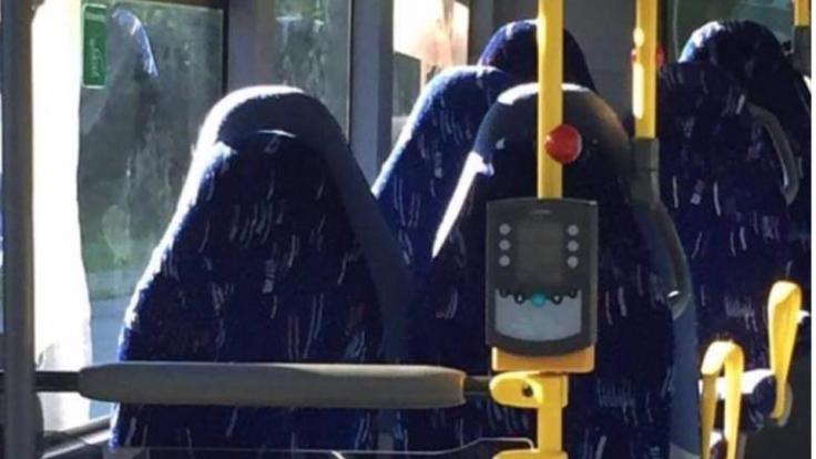 In Norwegen hetzen Nazis gegen Bussitze und blamieren sich völlig. (Foto)